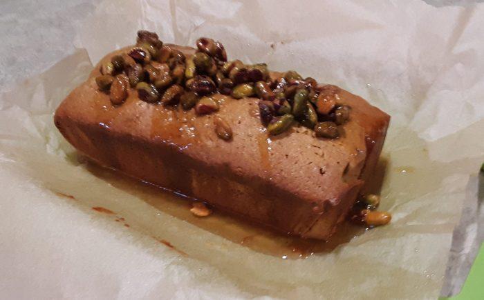 pistachio loaf cake